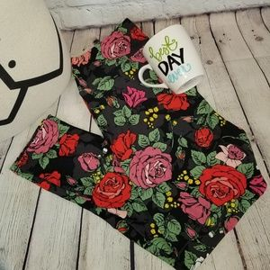 Lularoe Black and Romantic Roses Leggings TC2